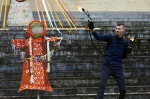 Rēzeknē svin tradicionālos slāvu tautību svētkus «Masļeņica» 46