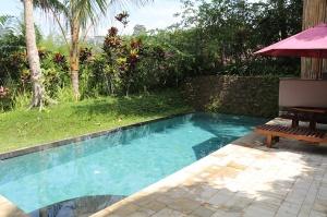 Travelnews.lv iepazīst Bali džungļu viesnīcas «Ayung Resort Ubud» villas.  «Turkish Airlines» un «365 Brīvdienas» 12