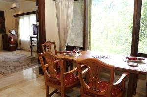 Travelnews.lv iepazīst Bali džungļu viesnīcas «Ayung Resort Ubud» villas.  «Turkish Airlines» un «365 Brīvdienas» 24