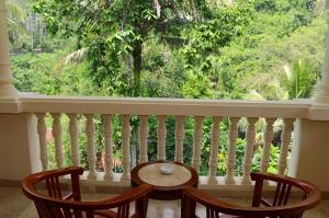 Travelnews.lv iepazīst Bali džungļu viesnīcas «Ayung Resort Ubud» villas.  «Turkish Airlines» un «365 Brīvdienas» 32