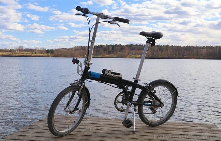 Travelnews.lv ar velosipēdiem apceļo Lielvārdi
