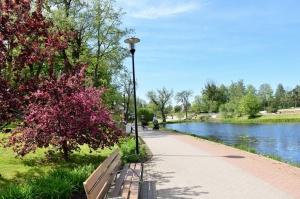 Valmiera sveicina vasaru, koši plaukstot un zaļojot 3