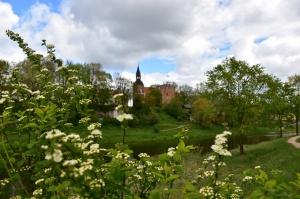 Valmiera sveicina vasaru, koši plaukstot un zaļojot 12