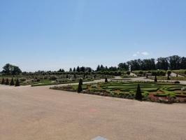 Rundāles pili ieskauj krāšņi rožu ziedi 30