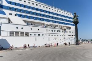 Greznais kuģis, kas parasti kursē maršrutā Helsinki – Stokholma, šovasar – jūlijā un augusta pirmajā pusē – apkalpos pagaidu maršrutu Helsinki–Rīga 12
