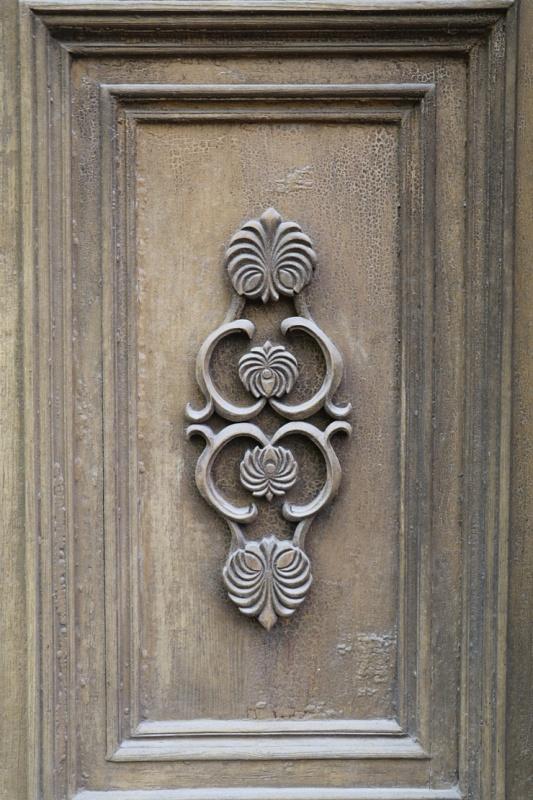 Travelnews.lv pievērš uzmanību Kuldīgas parādes namu durvju rokturiem 289591