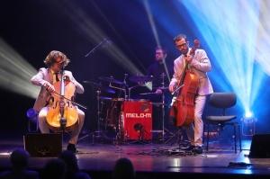 Melo-M un Dināra Rudāne ar lielām emocijām uzstājas Liepājas koncertzālē «Lielais dzintars». Foto: Līga Tetere 1