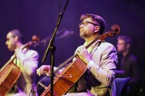 Melo-M un Dināra Rudāne ar lielām emocijām uzstājas Liepājas koncertzālē «Lielais dzintars». Foto: Līga Tetere 3