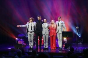 Melo-M un Dināra Rudāne ar lielām emocijām uzstājas Liepājas koncertzālē «Lielais dzintars». Foto: Līga Tetere 12