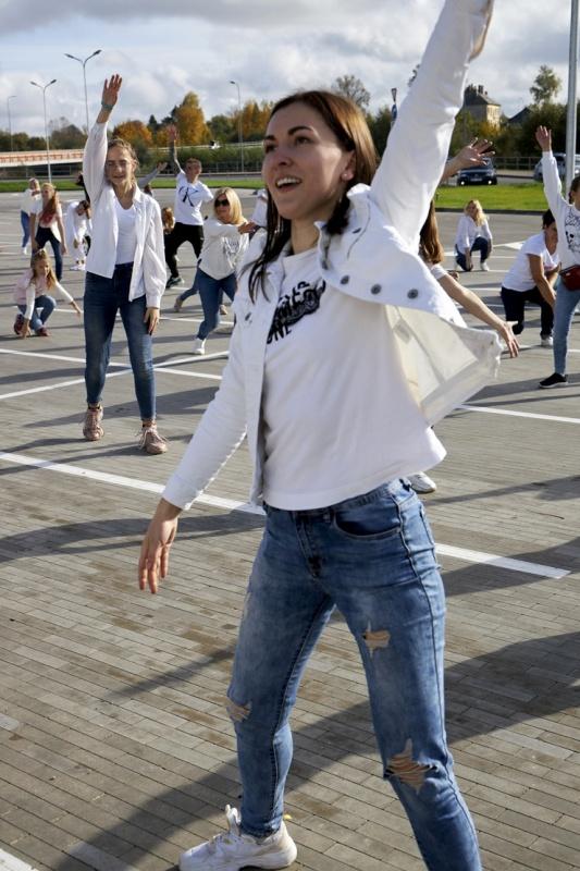 Rēzekne iesaistās «Jerusalema» dejas izaicinājumā 293032