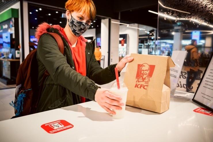 Rīgā durvis ver jauns KFC restorāns. Foto: Otto Strazds