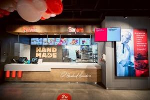 Rīgā durvis ver jauns KFC restorāns. Foto: Otto Strazds 4