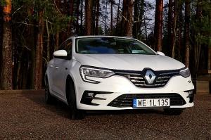 Travelnews.lv ar jauno «Renault Megane» ceļo uz Vidzemi, lai apskatītu Lielo Ellīti 45